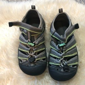Keen grey and green size 13